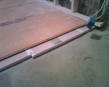 Holmes on homes on basements ashworth drainage for Insulating basement floor before pouring